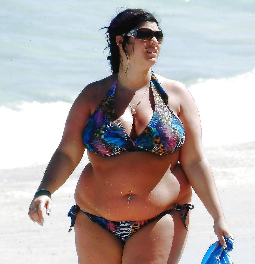 Пышные женщины европы напляже 2 фотография